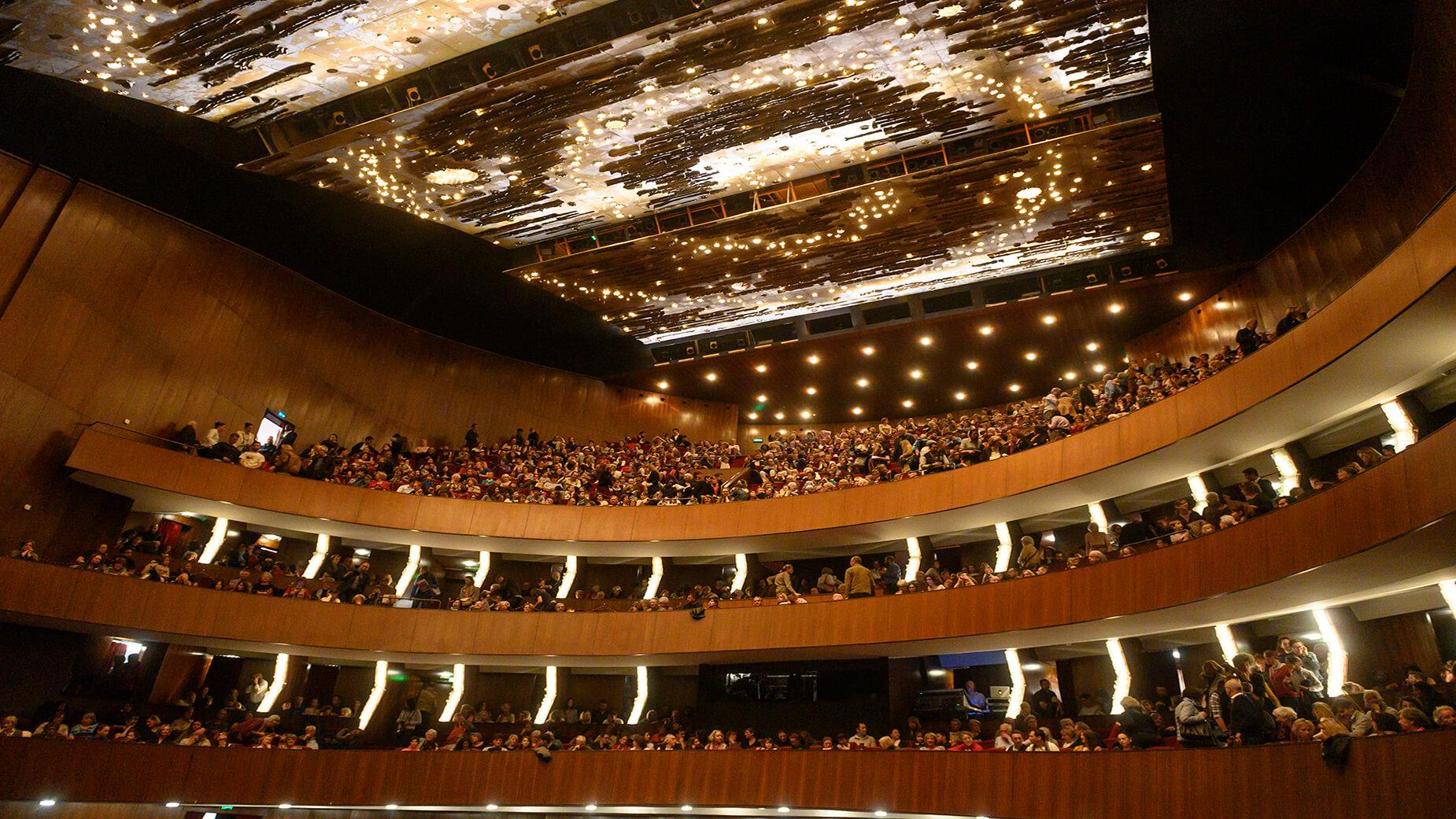 salle de spectacle et plafond du Grand Théâtre de Genève